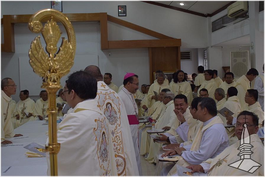 Foto Pembaharuan Janji Imamat Gereja Santa Perawan Maria Ratu Rosario Suci Randusari Katedral Semarang